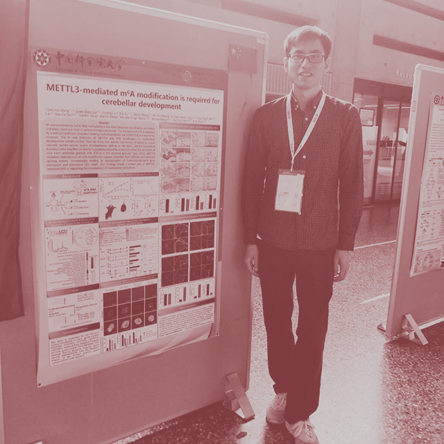 Guanshen Cui  presenting his scientific poster at International Students Research Forum in Denmark.